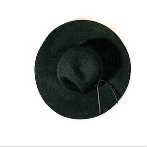B.P black felt wide brim hat. All seasons hat